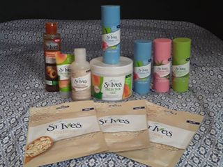St Ives   lot of 11 items