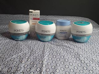 Ponds Face Products   lot of 5