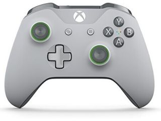 Xbox Wireless Controller   Gray and Green