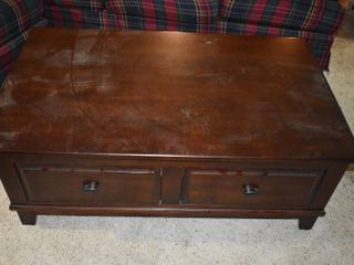 Wooden Coffee Table With lift Top   4  2  W x 2  6  D x 1  7  T