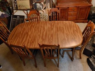 Wooden Dining Room Table   6 Chairs   One Chair Has Arms  Others Armless   Table   71  W x 40  l x 29  T  Chairs   20  W x 18  D x 40  T