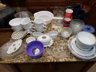 large lot Kitchen Mixed lot   Glasses  Set of Corelle  Strainer  Coffee Cups etc    Various Sizes