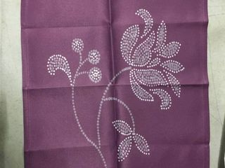 Traditional Flower Napkins   Set of 4
