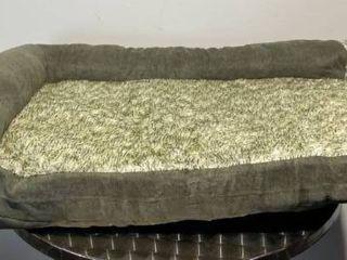 green Sherpa lined pet bed small medium