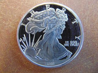 lady liberty Design   Sunshine Mint  1 Troy oz   999 Silver Coin