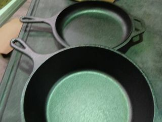 Pair of lodge Cast Iron Skillets