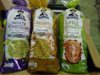 lot of Quaker Rice Cakes 3 Flavors