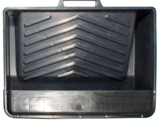 Paint Trays   liners  21 3 4 in Black Plastic   MHT 18