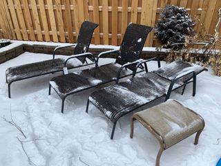 3 lounge Chairs