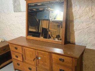 Solid Oak Dresser W  Mirror