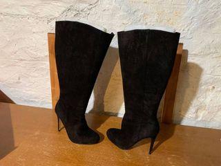 Ivanka Trump Size 8 5 Black Suede High Boots W  Original Box