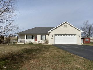 Absolute Ranch Home on .592 Acre - Winesburg Area