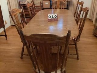 Oval Dining Room Table   6 Matching Chairs