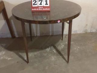 Round Table w  Extra leaf