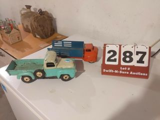 2 Metal Trucks