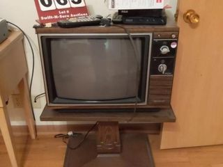 20  Old TV  Converter and Stand  5  B W TV