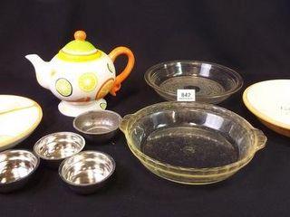 Pie Plates  Kitchen Creation Teapot  Server