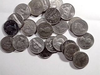25x Canadian Nickels