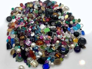 Various loose Gemstones and Beads