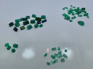 4 lots of loose Emeralds