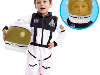 NASA SPACESHIP HElMET COMPlETE WITH SPACE SUIT  SMAll