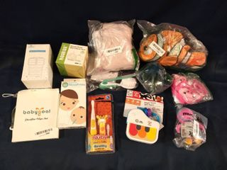 lOT OF 12 BABY ITEMS