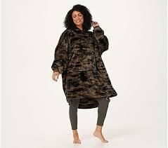 The Comfy Dream lite Oversized Wearable Blanket Green Camo