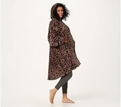 The Comfy Dream lite Oversized Wearable Blanket leopard