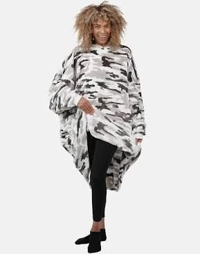 The Comfy Dream lite Oversized Wearable Blanket Grey Camo