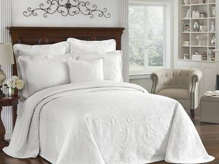 White King Charles Matelasse Bedspread  Queen    Historic Charleston