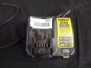 DeWalt 12 V and 20 V battery charger