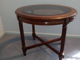 Beautiful Vintage Gordons Small Oval Shaped Glass Top End Table