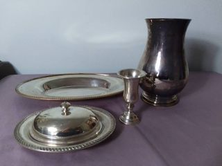 lot of 4 Silver Plated Antique Decorative Items   Poole Silver Company and Cambridge Silver
