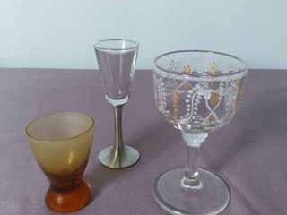 lot of 3 Miniature Glass Wine Glasses   Selangor Pewter