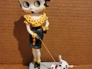 Out for a Stroll Betty Boop Figurine