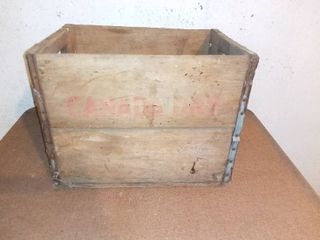 Vintage Canada Dry Wooden Box