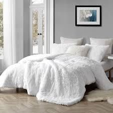 Coma Inducer Oversized Comforter White  Shams not included  Retail 139 99 white king