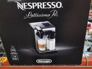 Retails For 479 99 De longhi Nespresso lattissima Pro Espresso Cappuccino Machine   Silver EN750MB  light Silver
