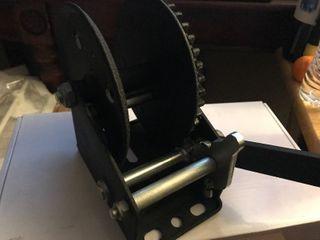 New manual winch