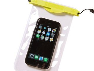 geckobrands Magnetic Waterproof Phone Bag