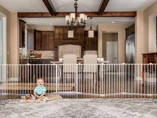 REGAlO 192 INCH SUPER WIDE GATE AND PlAY
