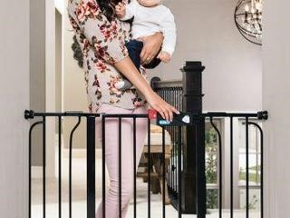 REGAlO EASY STEP EXTRA WIDE BABY GATE
