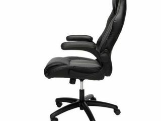 ESSENTIAlS COllECTION GAMING CHAIR ESS 3086