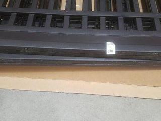 FINAl SAlE INDOOR PET PEN 24X36X36   WITH SCRATCH