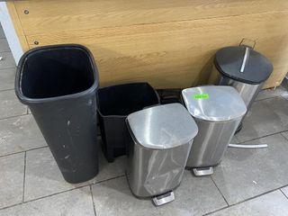 lOT  Garbage Pails