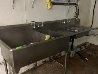 2 Compartment S S Sink w  Pre Rinse Sink   Hose