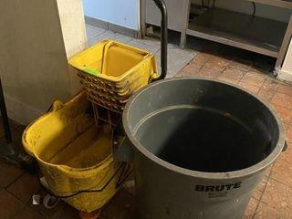 Rubbermaid Mop Bucket   Garbage Bin