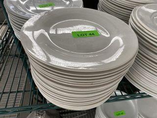 lOT  10  Round Dinner Plates