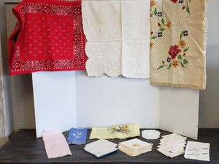 3 Square Table Clothes   Various Sizes and Assorted Cloth Napkins   most Embroidered   some of the linens may have small stains