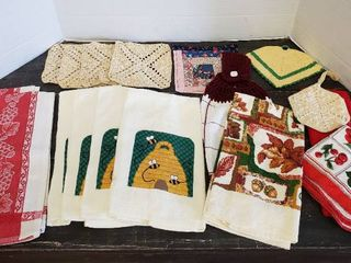 Kitchen Towels and Pot Holders